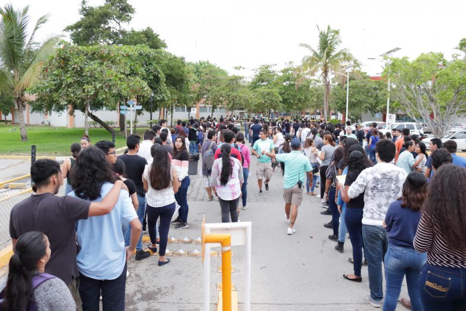 2706 Aspirantes buscan un espacio en el CUCosta, en sus dos sedes, Puerto Vallarta y Tomatlán