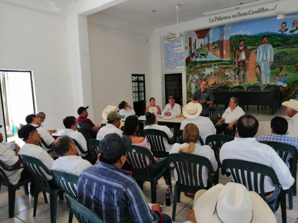 Campesinos demandan más apoyopara caminos saca cosechas