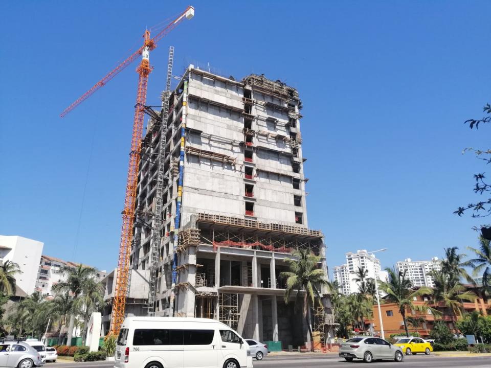 Construcción en estacionamientode FA no es correcta: Arnulfo Ortega