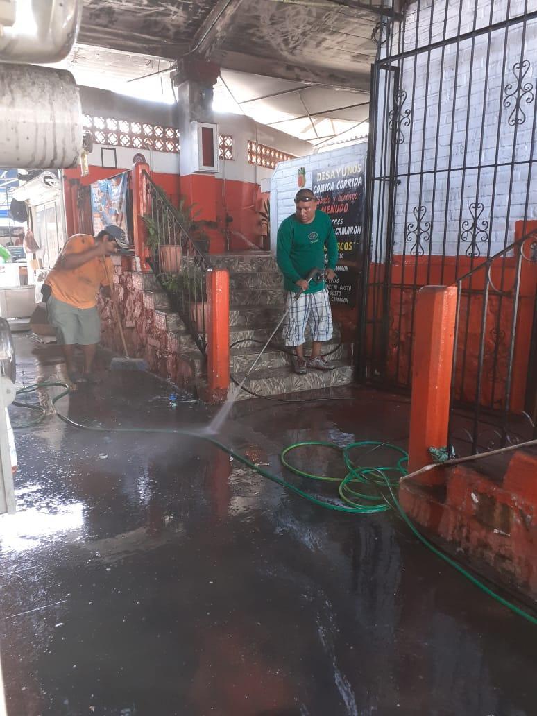 Restauran área siniestrada en el mercado 5 de Diciembre