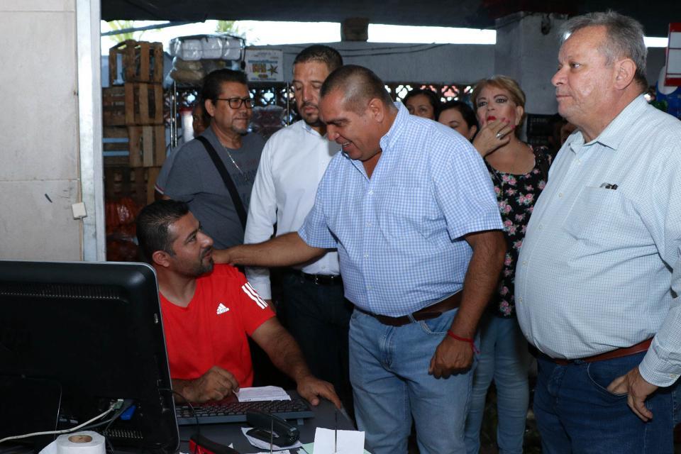 Supervisa alcalde los trabajos del 'Mercado del Mar'