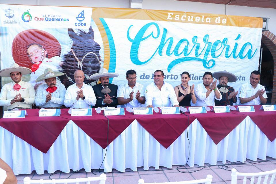 Anuncian apertura de la Escuela Municipal de Charrería