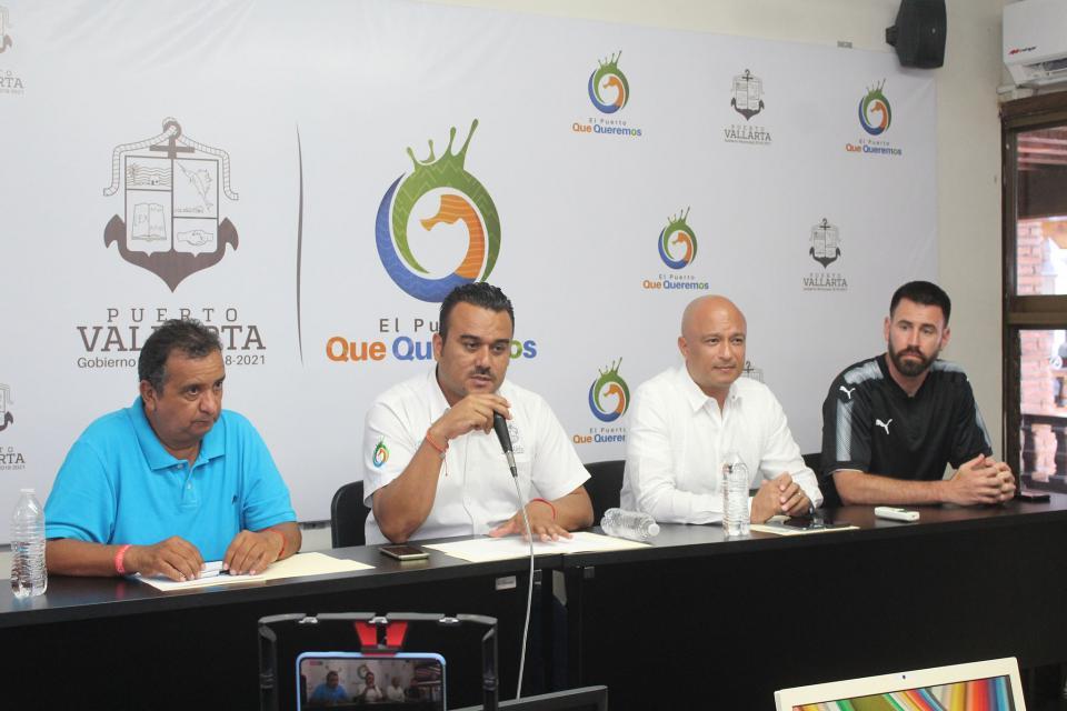Presentan equipo de fútbol Puerto Vallarta FC