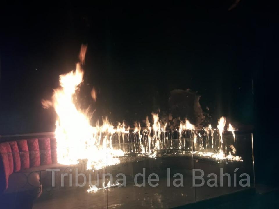 """""""El Basuritas"""" prendió fuego dentro de ex discoteca"""