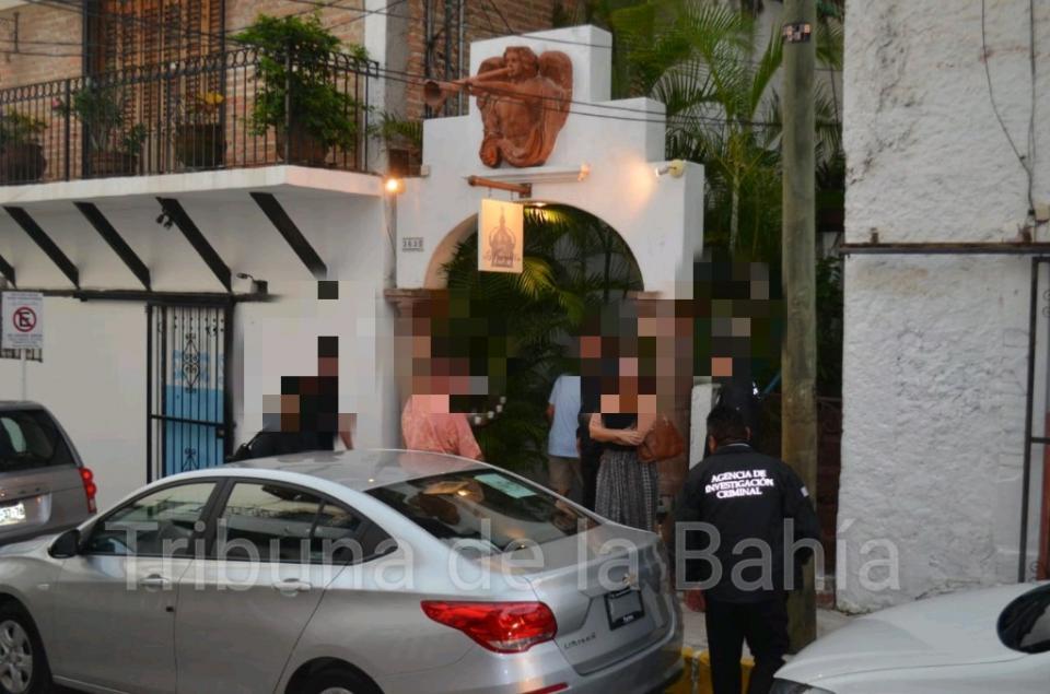 Operativo en Puerto Vallarta de la FGR tras ubicar presuntamente cuadro robado