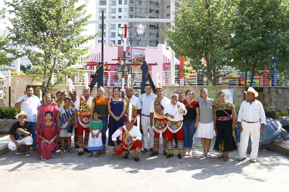 Grupos indígenas muestran su cultura y tradiciones