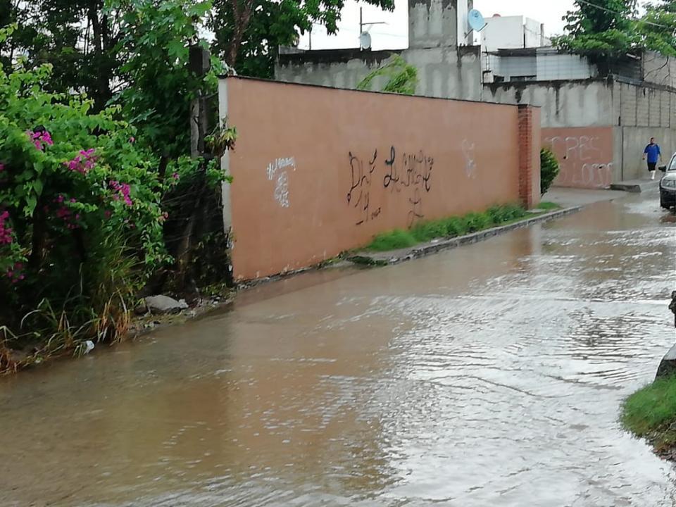 Solo encharcamientos han dejado las lluvias de este miércoles en Bahía de Banderas
