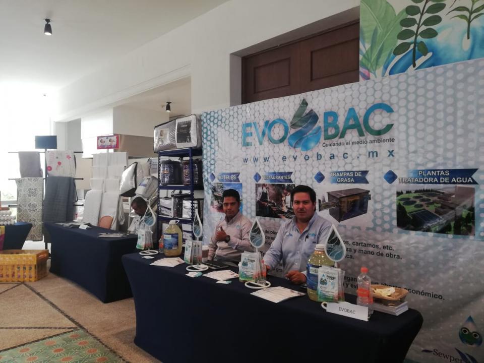 Inauguran expo de negocios en donde participa el municipio de Tepatitlán.