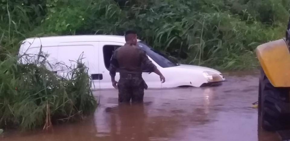 Inundaciones en la carretera Higuera Blanca- Sayulita