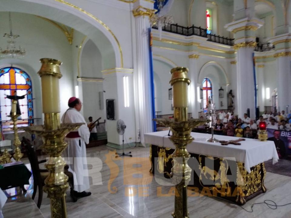 Obispo Luis Artemio advierte pérdida de valores en Puerto Vallarta