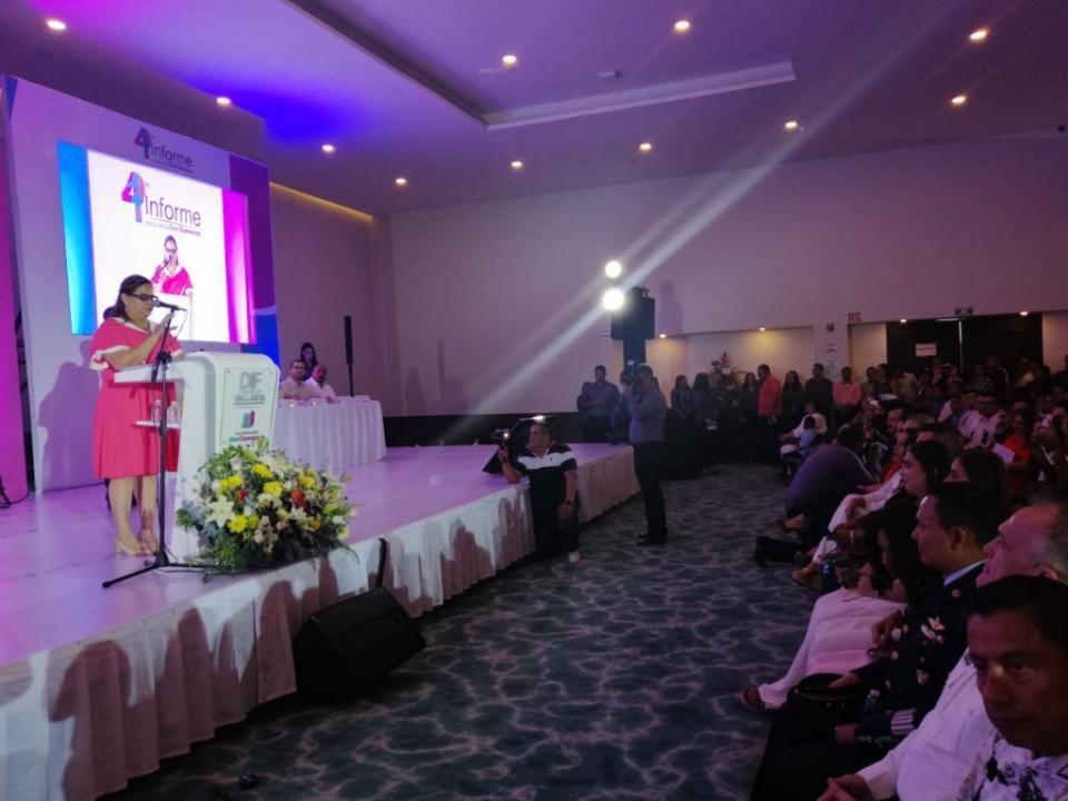 4to Informe de Actividades Candelaria Tovar presidenta  DIF Puerto Vallarta