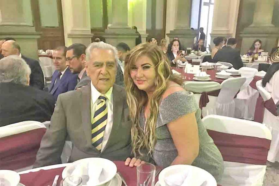 "La maestra Rebeca Jiménez recibió el ""Galardón Forjadores de México 2019"""