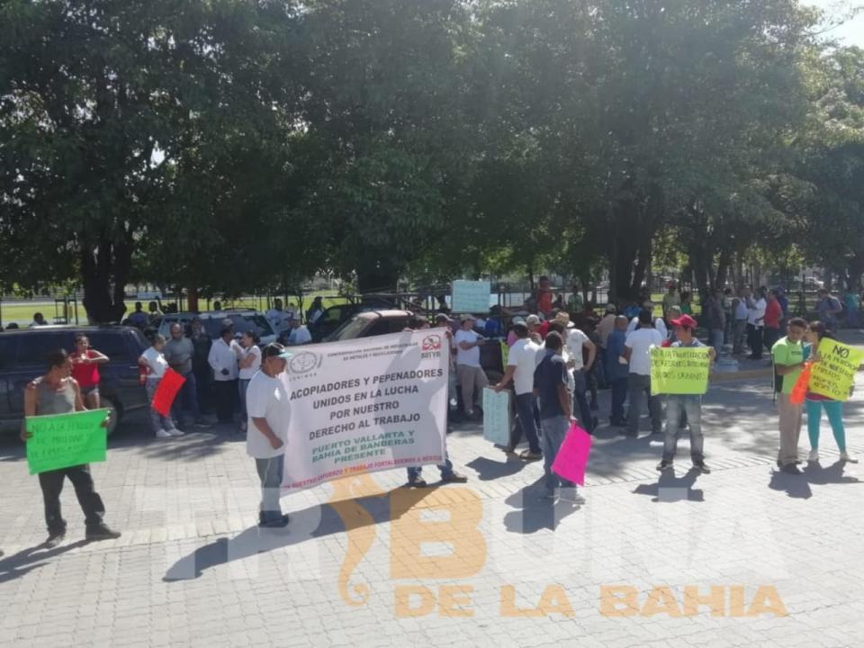 Arriba participantes de protesta a Puerto Vallarta dan por terminada manifestación
