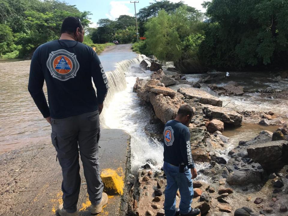 Instruye presidente Jaime Cuevas reparación del Vado Las Piletas