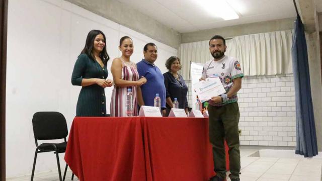 Participan padres de familia en el programa de ECAPAF de DIF