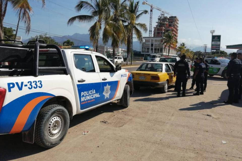 Escurridizo ladrón huye cuando viajaba en un taxi con cosas robadas de una casa de Villas Universidad