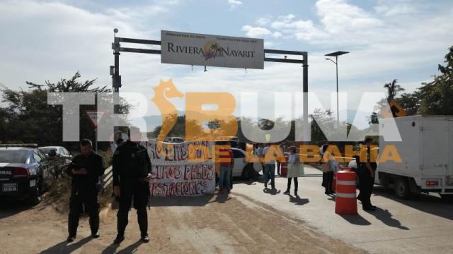 Con manifestación, maestros del SNTE Nayarit exigen  el pago de prestaciones