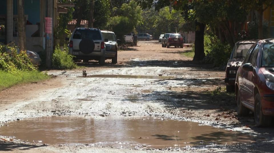 Piden en la colonia La Esperanza reparar sus calles