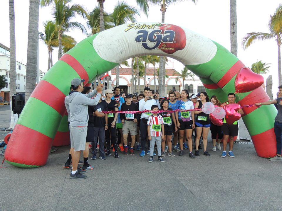 Organizan la carrera atlética 4k del Día del Amor y la Amistad