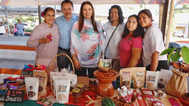 Un éxito, Primera Expo Artesanal y Cafetaleros en Bahía de Banderas