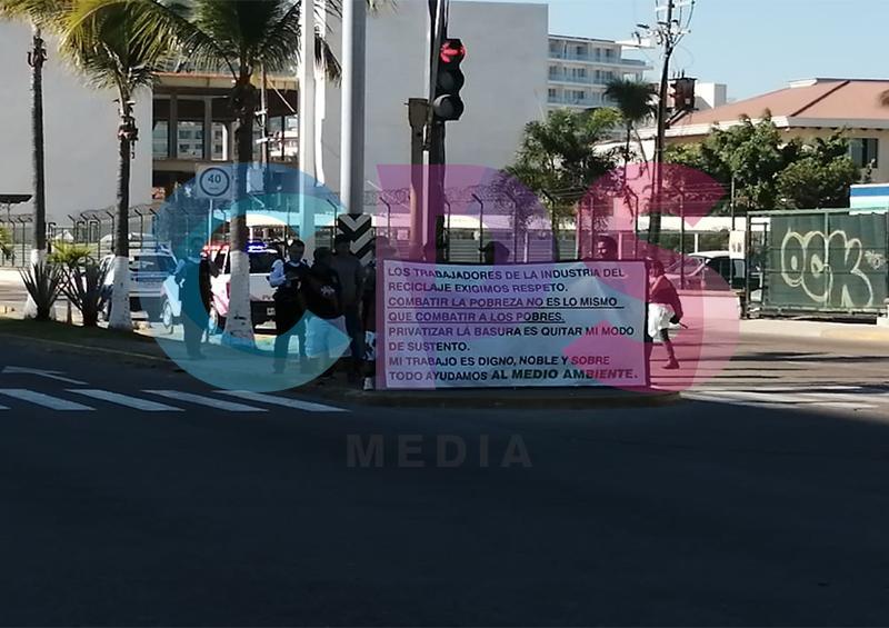 Protestan contra la privatización de materiales reciclables