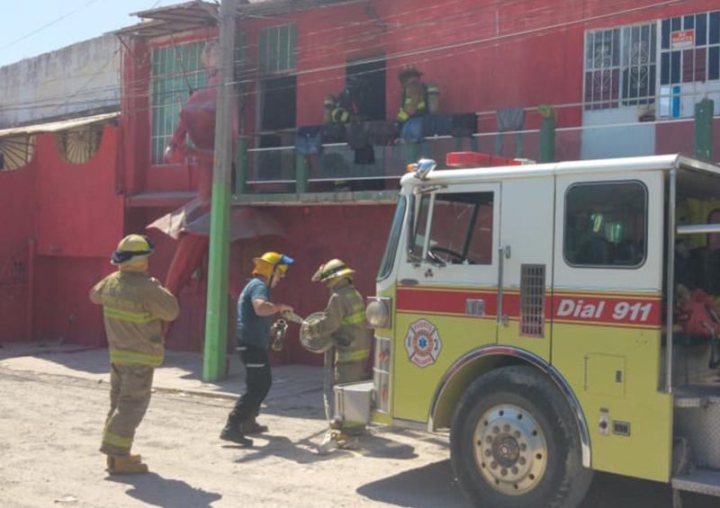 Moviliza a bomberos un incendio en Vallarta 500