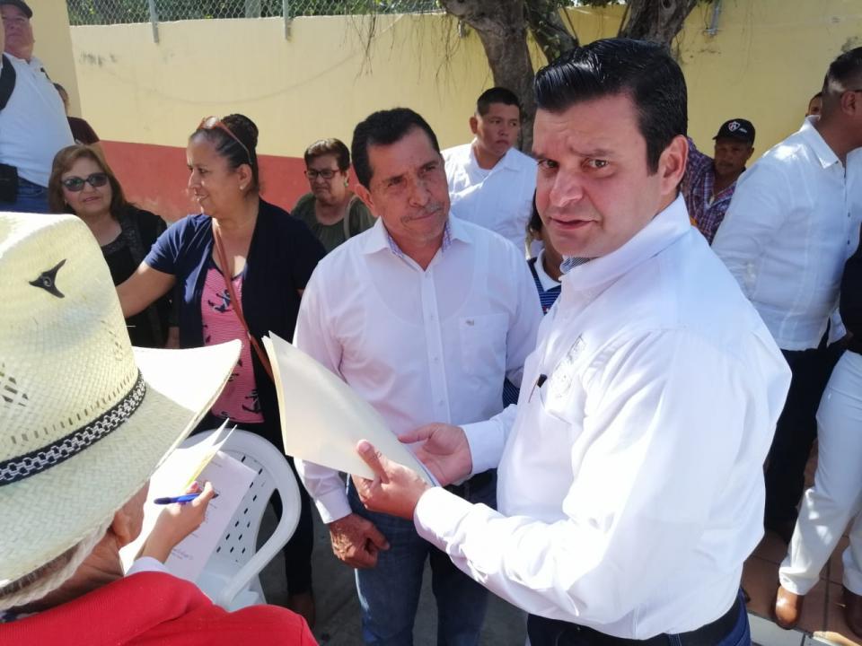Toño Echevarría se reunió con empresarios de Riviera Nayarit