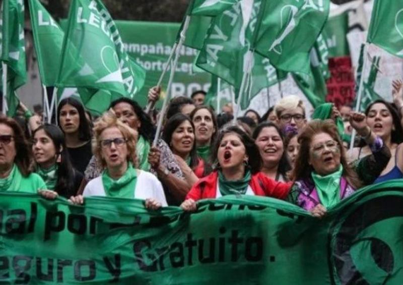 """""""Pañuelazo #19F"""" por el aborto legal y seguro en Argentina"""
