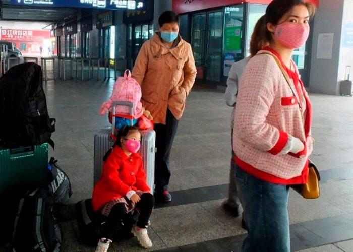 China prohíbe entrada de extranjeros para evitar expansión de pandemia