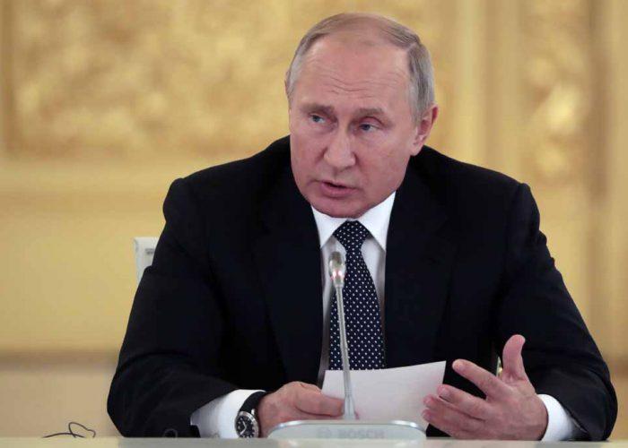 Putin llama a Rusia para permanecer en sus hogares debido al coronavirus