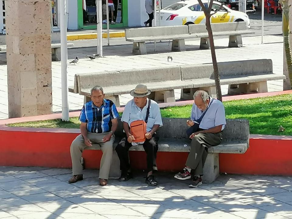 Olvidan cuarentena en El Pitillal