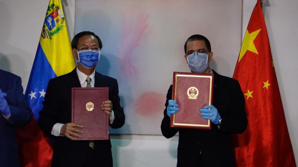 Venezuela recibe equipo de expertos en prevención del Covid-19