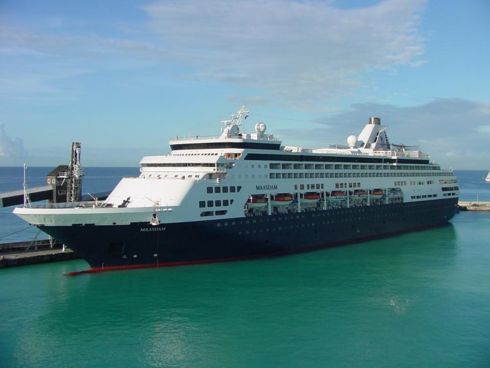 Serán 5 cruceros en Vallarta; llega el Maasdam