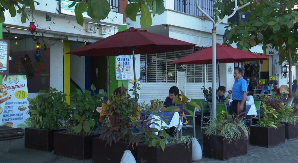 Aún operan cerca de 700 restaurantes en plena contingencia