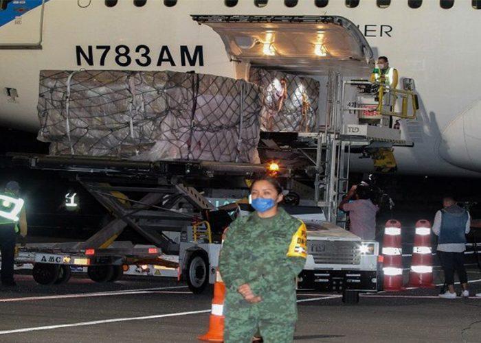 Arriba a México segundo cargamento con insumos médicos de China