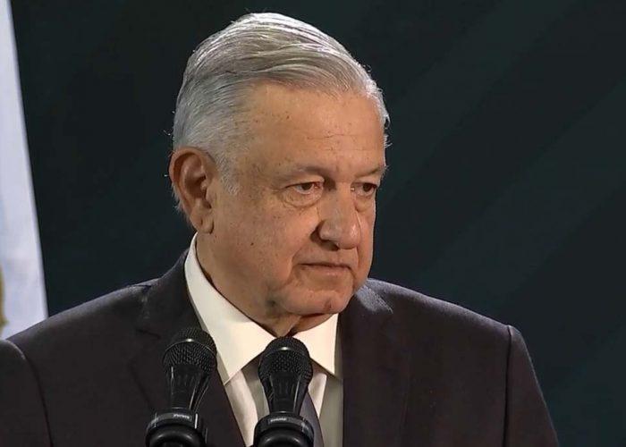 """""""En las crisis se ve de qué están hechos los gobernantes"""" AMLO"""