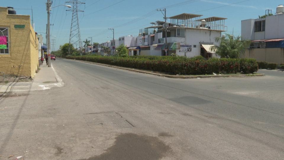 Falta reparar el 50% de las calles en Valle Dorado