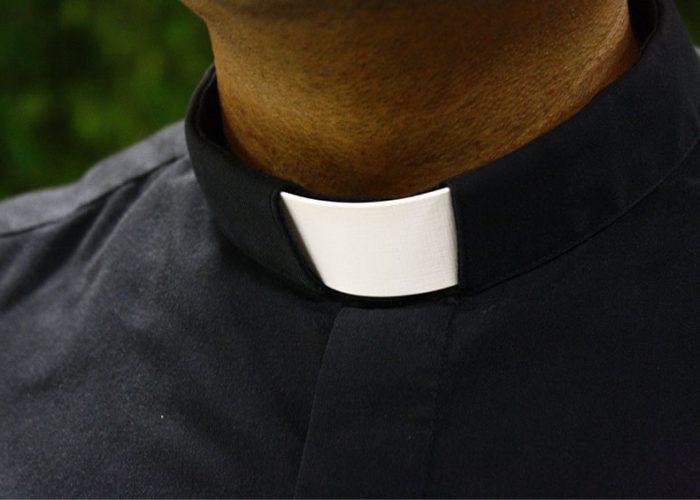 Suspenden a sacerdotes en Colombia tras denuncia de abuso sexual