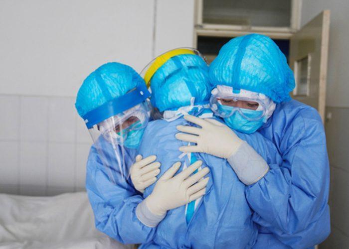 España suma más de 6.000 nuevos casos de coronavirus y 674 muertes en un día
