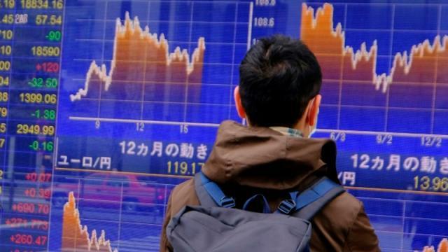 Mercados mundiales a la defensiva tras datos de empleo de EEUU
