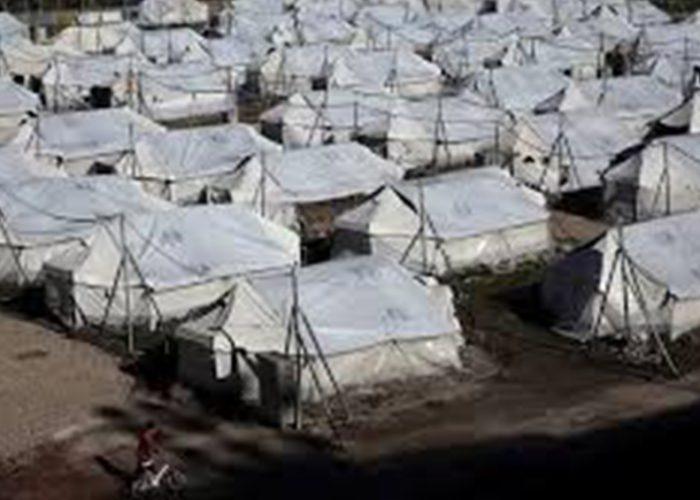 Ponen en cuarentena campo de refugiados en Grecia