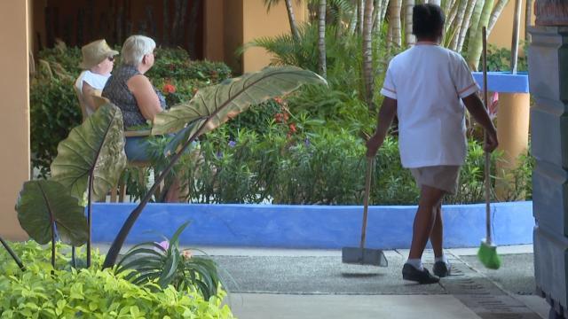 Solo personal de seguridad, áreas verdes y mantenimiento operando en hoteles