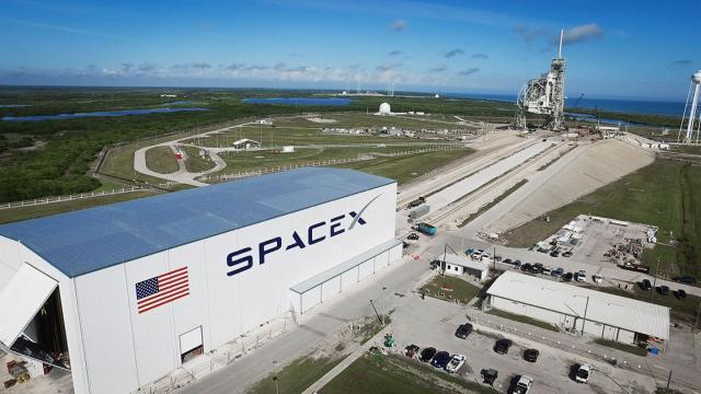 Primer vuelo tripulado de cápsula de SpaceX será el 27 de mayo