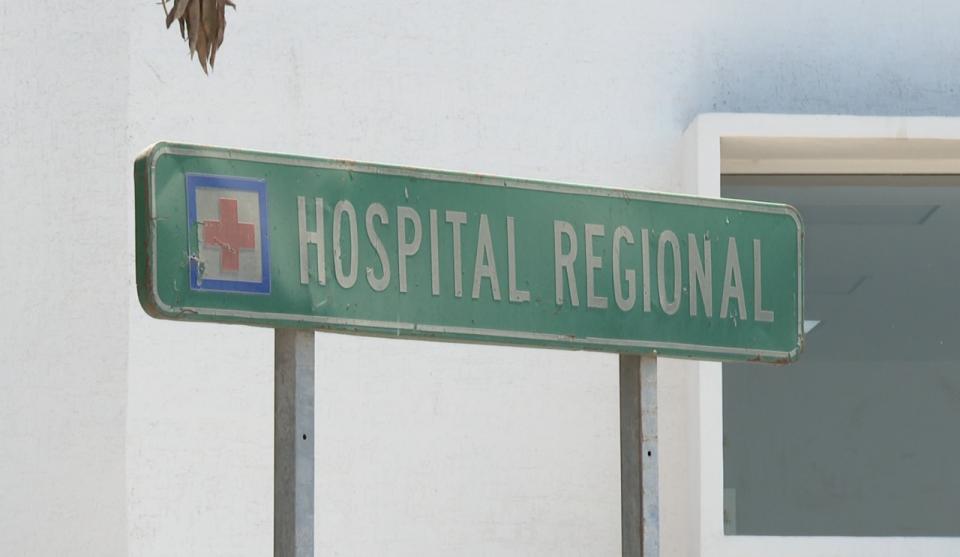 Enfermeros y médicos reportan despidos en Hospital Regional