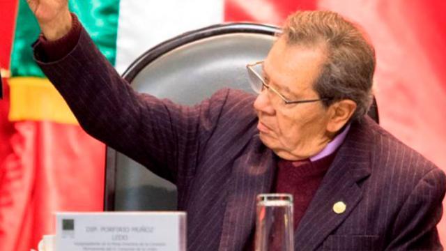 Llama Muñoz Ledo a revisar el pacto fiscal