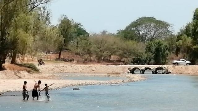 Hartos del confinamiento se van al río...¡de paseo!
