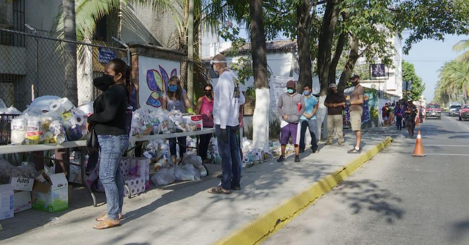 Exitosa entrega de 400 despensas en Las Moras