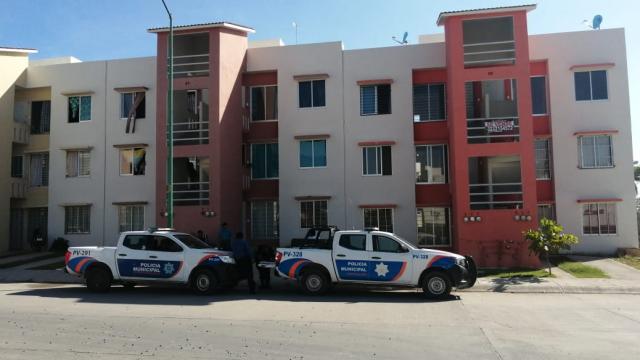 Patrullas de policía en colonia Ecoterra