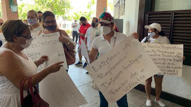 Manifestantes Ayuntamiento