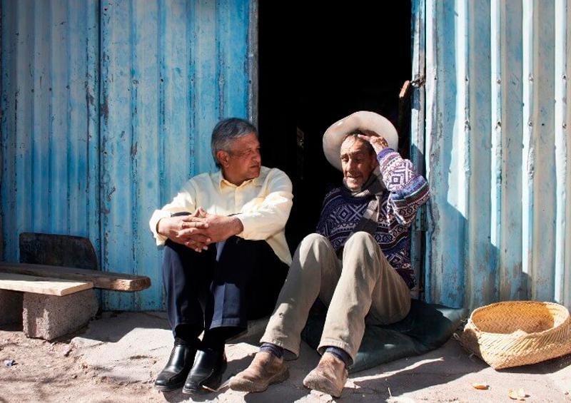 AMLO felicita a los papás mexicanos